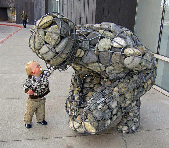 VeryUniqueSculptureAndCuteKid